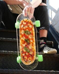 2526Pizza Skateboard